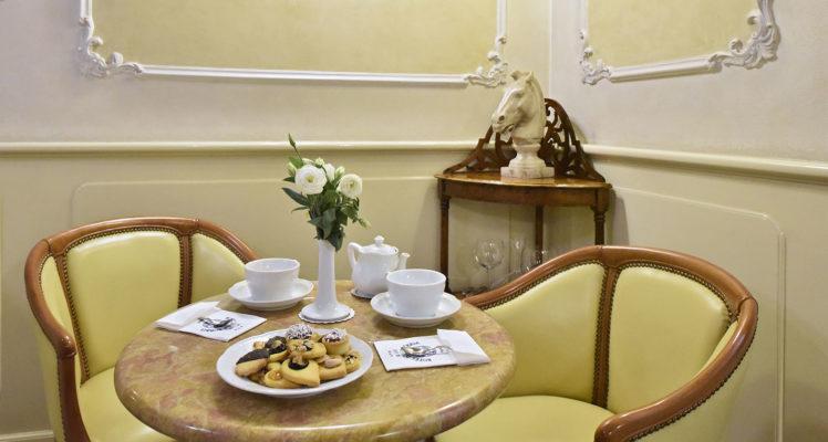 hotel-della-robbia-firenze-breakfast1