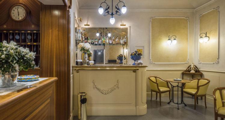 hotel-della-robbia-firenze-reception